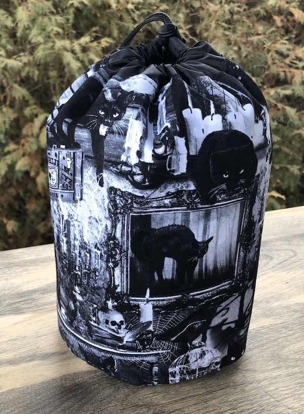Black Cat Incantation SueBee Round Drawstring Bag