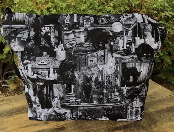 Black Cat Incantation Large Tootsie Zippered Purse