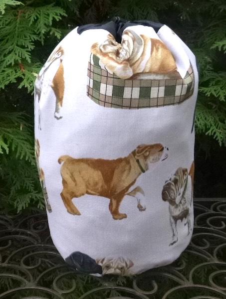 Bulldogs on Cream SueBee Round Drawstring Bag