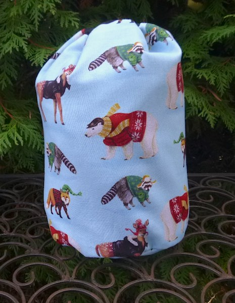 Cabin Critters SueBee Round Drawstring Bag