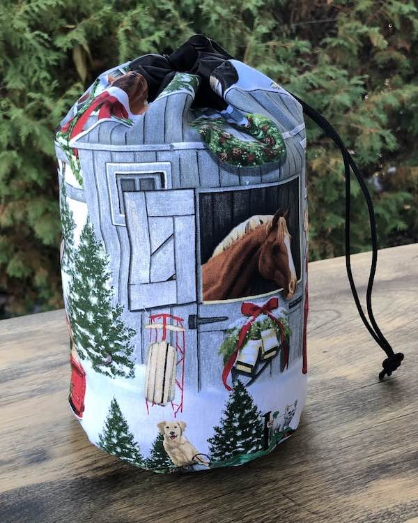 Christmas on the Farm SueBee Round Drawstring Bag