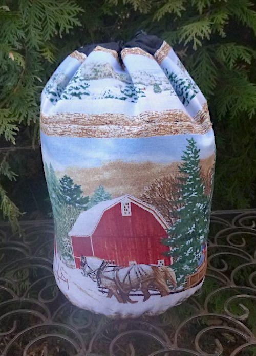 Country Winter SueBee Round Drawstring Bag
