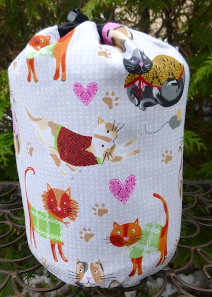 Cozy Cats SueBee Round Drawstring Bag