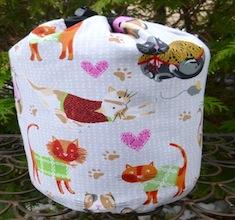 Cozy Cats SueBee Round Drawstring Bag
