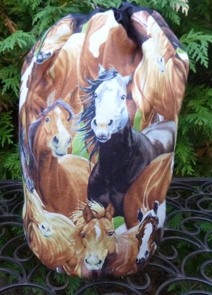 Horse Eyes SueBee Round Drawstring Bag