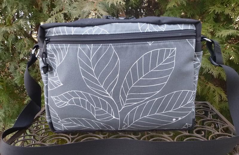 Leaves on Gray Tilly Shoulder Bag