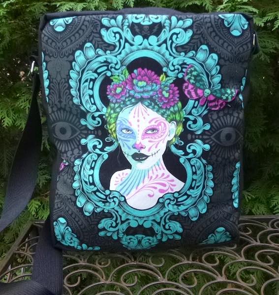 Magnolia De La Luna Fox Deluxe Shoulder Bag