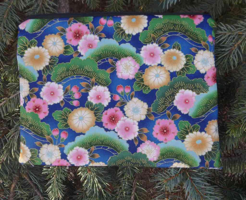Japanese Mums and Bonsai Mahjongg card and coin purse, The Slide