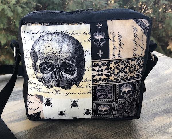Nevermore a Tribute to Edgar Allan Poe, Hipster Shoulder Bag, The Otter