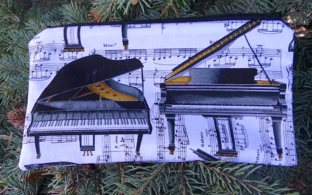 Pianos Deep Scribe pen and pencil case