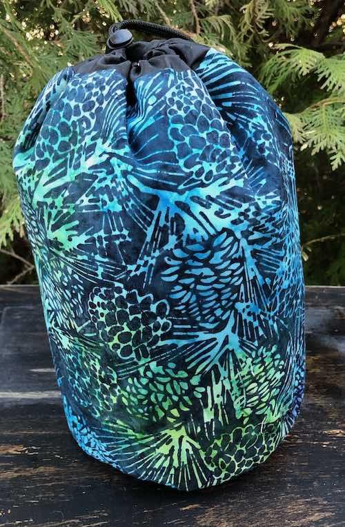 Pine Batik Suebee Round Drawstring Bag