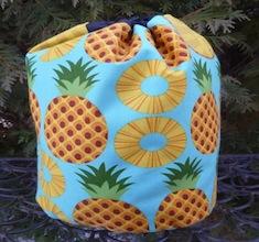 Pineapple SueBee Round Drawstring Bag