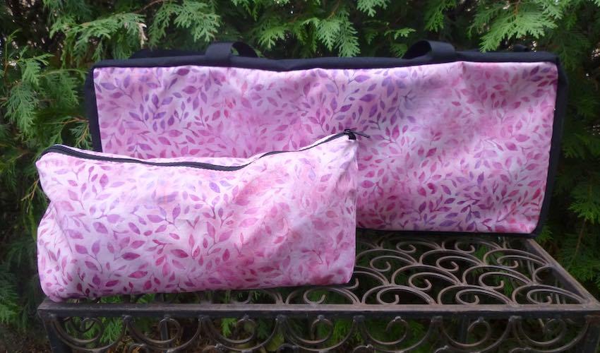 Pink Foliage Batik Mahjongg Storage Set The Zippered Tote-ster and Large Zini