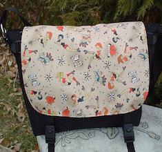 Retro Roller Derby Girls Zelda Messenger Bag