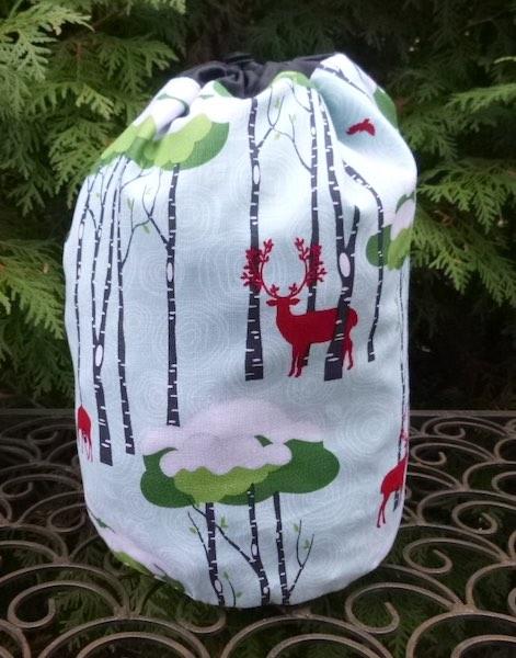 Rustique Winter SueBee Round Drawstring Bag