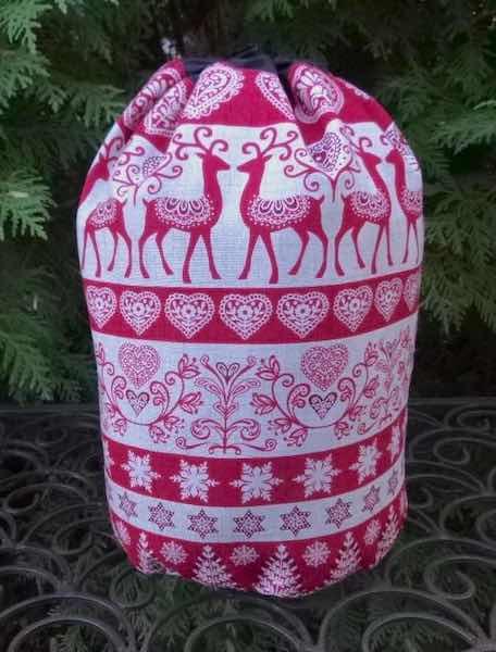 Scandi Stripe SueBee Round Drawstring Bag