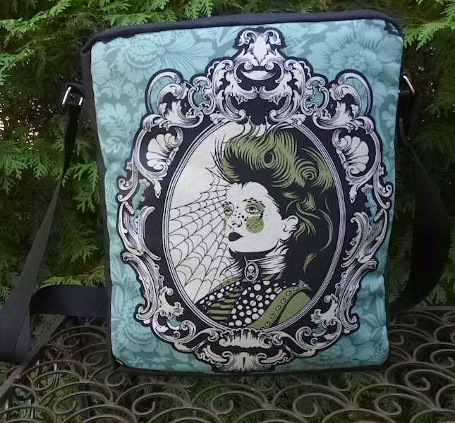 Scarlett Von Black, The Super Fox Shoulder Bag