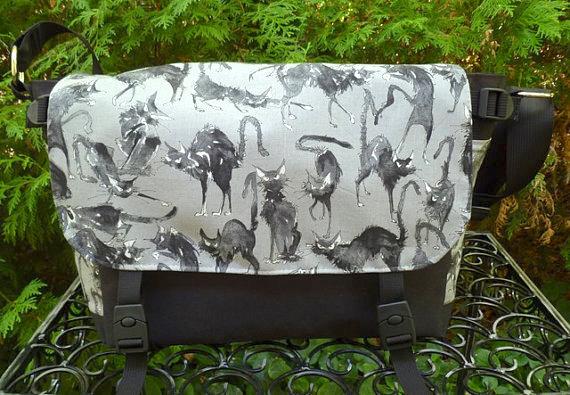 Sebastian Ghastlie Zelda Deluxe Messenger Bag