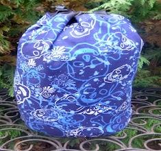 Skulls on Blue SueBee Round Drawstring Bag