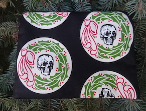 Skull Wreaths zippered bag, The Scooter