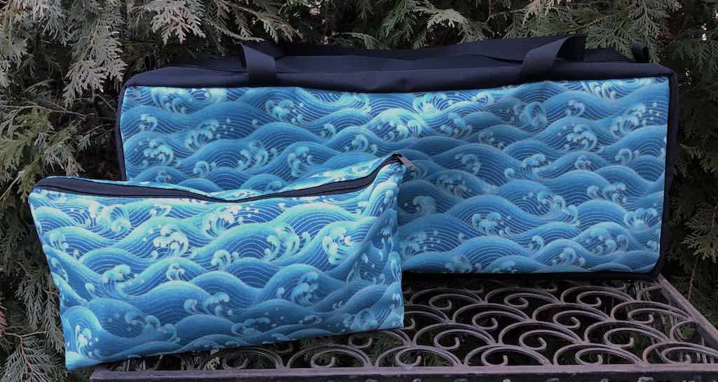 Turquoise Waves Mahjongg Storage Set The Zippered Tote-ster and Large Zini