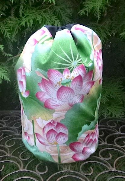 Water lilies SueBee Round Drawstring Bag