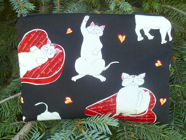 White kitty love Zippered Bag, The Scooter