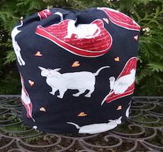 White Kitty Love SueBee Round Drawstring Bag