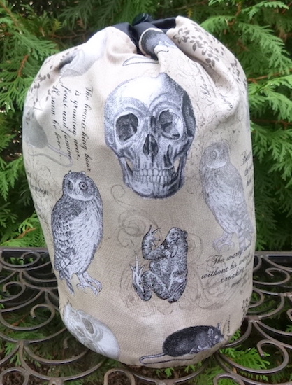 Witches Familiars SueBee Round Drawstring Bag