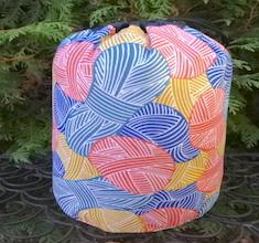 Yarnie in Multi SueBee Round Drawstring Bag