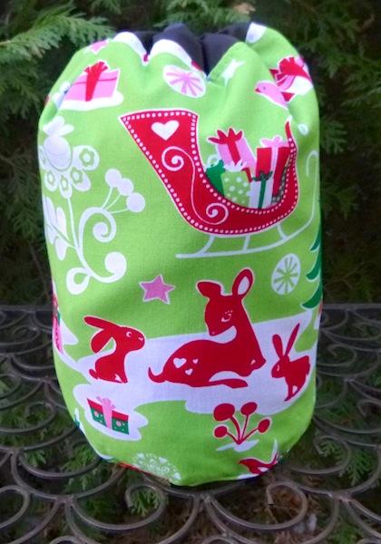 Yule Critters SueBee Round Drawstring Bag